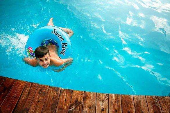 Chemia basenowa jest niezbędna do utrzymania czystości wody w każdym basenie.